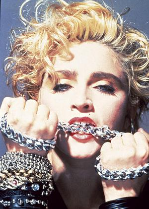 madonna_chains_narrowweb__300x4210