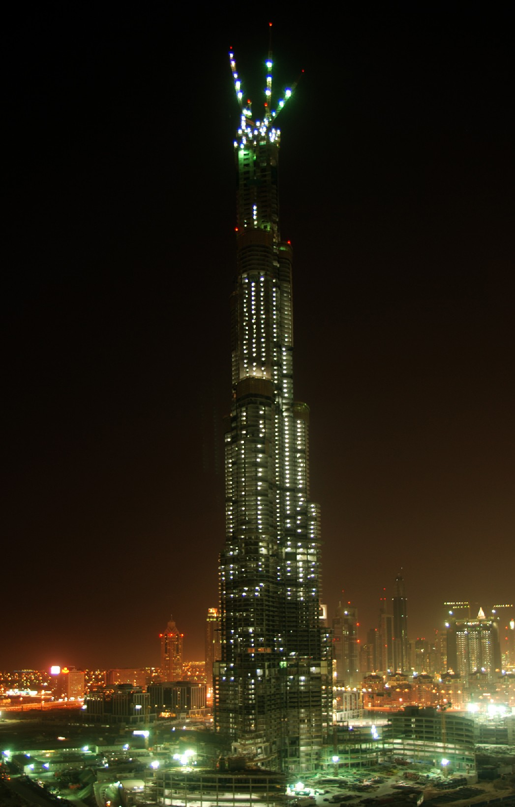 Burj Dubai - The Tallest Skyscrapers in the World
